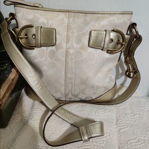 EUC Original Coach Crossbody Bag/Purse